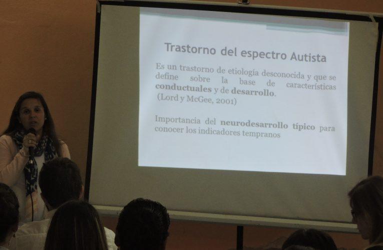 Charla TEA: Susana Villalba enfatizó en la importancia de una detección temprana
