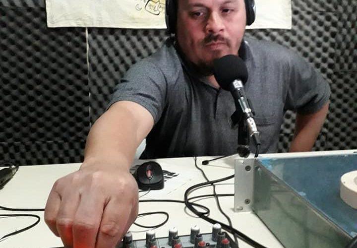 """""""Estar en la radio comunitaria es algo mágico y sanador"""", dijo Claudio Álvarez, conductor de Haciendo ruido"""