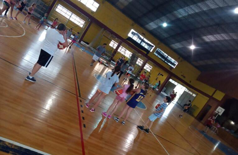 El básquet del Club Defensores del Oeste comenzó los entrenamientos de todas sus categorías