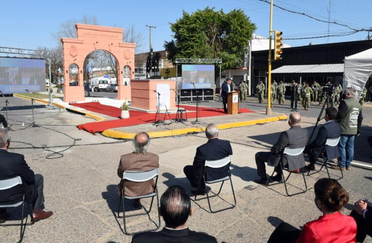 Concepción del Uruguay: inauguraron el Arco del Federalismo y el monumento ecuestre en homenaje a Ramírez
